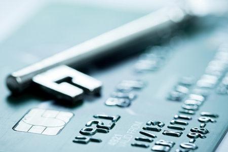 クレジットカードの不正利用に遭いました。。